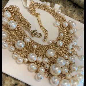 Kenneth Jay Lane| Statement Pearl Necklace